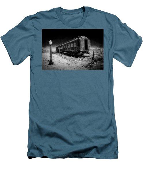 Scarlet Lady Moonlit Night Men's T-Shirt (Slim Fit)