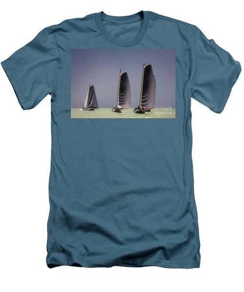 Skutsje Wedstrijd Voor De Wind Men's T-Shirt (Athletic Fit)