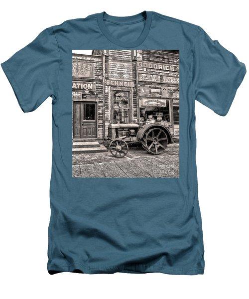 Snohomish Antiques Men's T-Shirt (Athletic Fit)