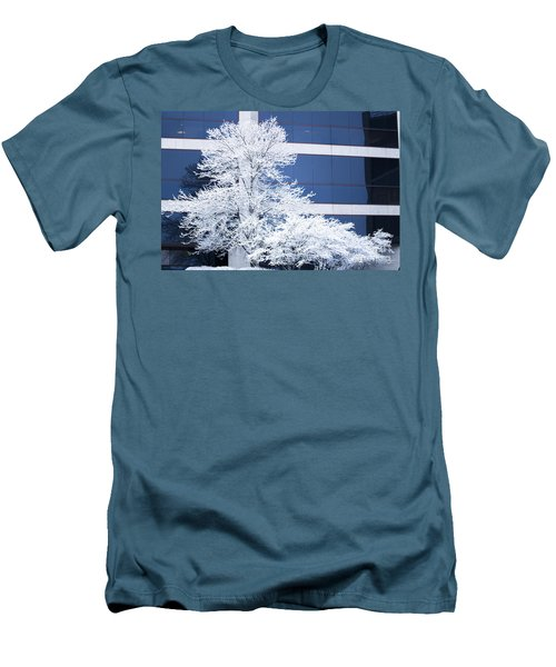 Snow Art Men's T-Shirt (Athletic Fit)