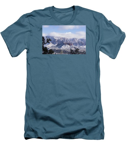Snow Blanket Men's T-Shirt (Athletic Fit)
