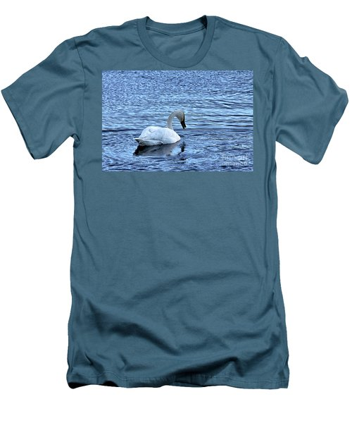Snow Goose Men's T-Shirt (Athletic Fit)