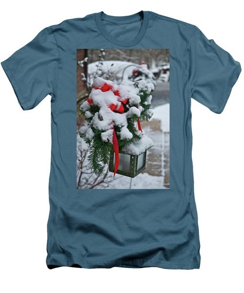 Snow Latern Men's T-Shirt (Athletic Fit)