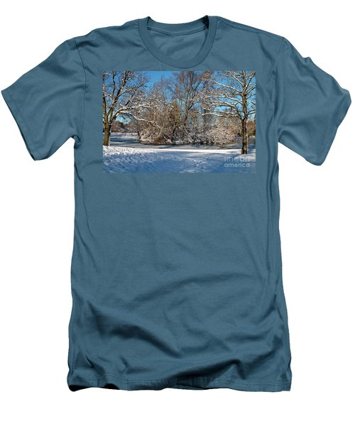Snowy Island Men's T-Shirt (Athletic Fit)