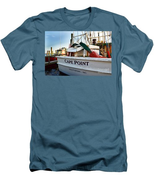 Southport Cape Point Boat Men's T-Shirt (Athletic Fit)