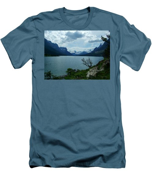 St Mary Lake, Incoming Storm Men's T-Shirt (Slim Fit)