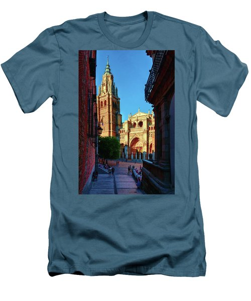 St Mary's Cathedral - Catholic Cathedral In Toledo, Chair Of The Primate Of Spain, The Main Cathedra Men's T-Shirt (Athletic Fit)