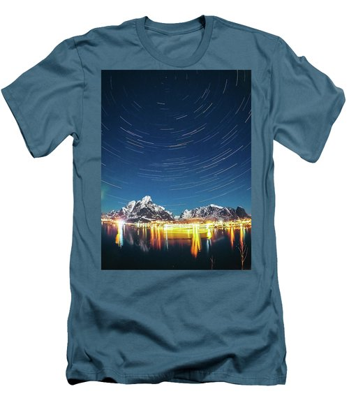 Startrails Above Reine Men's T-Shirt (Slim Fit)