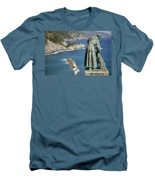 Statue Of Saint Francis Of Assisi Petting A Dog  Men's T-Shirt (Athletic Fit)