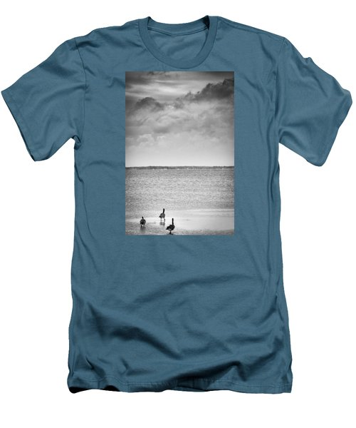 Canada Geese - Currituck Sound Men's T-Shirt (Athletic Fit)