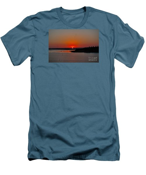 Sunrise On Lake Ray Hubbard Men's T-Shirt (Athletic Fit)