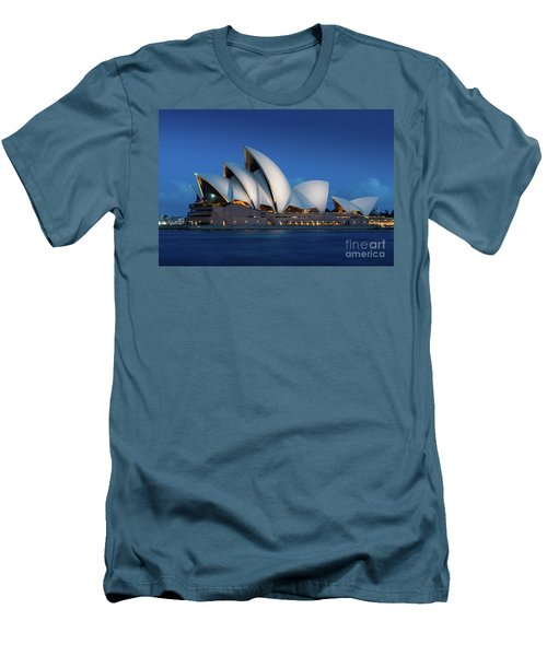 Sydney Opera House After Dark Men's T-Shirt (Athletic Fit)