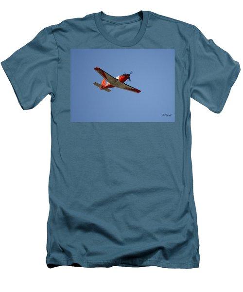 T34 Mentor Trainer Flying Men's T-Shirt (Athletic Fit)