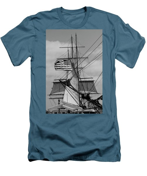 The Caravel Men's T-Shirt (Athletic Fit)