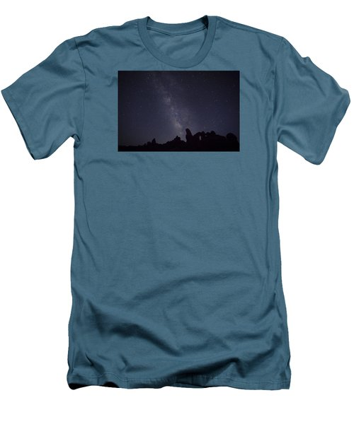 The Milky Way Over Turret Arch Men's T-Shirt (Athletic Fit)