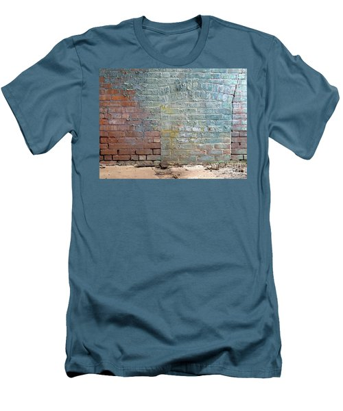 The Wall Men's T-Shirt (Athletic Fit)