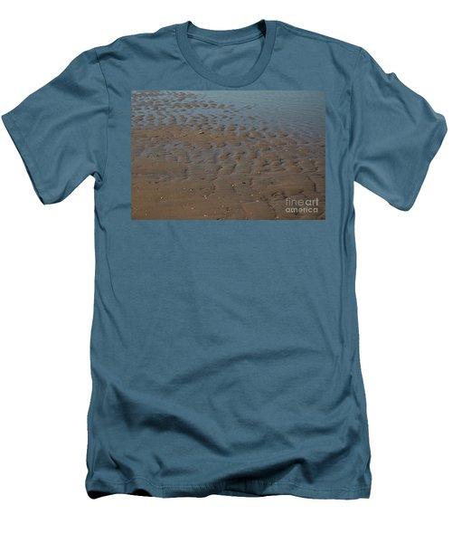 Traces Men's T-Shirt (Athletic Fit)