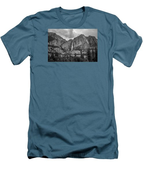 Upper Yosemite Falls Men's T-Shirt (Athletic Fit)