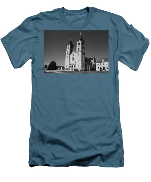 Victoria, Kansas - Cathedral Of The Plains 6 Bw Men's T-Shirt (Slim Fit) by Frank Romeo
