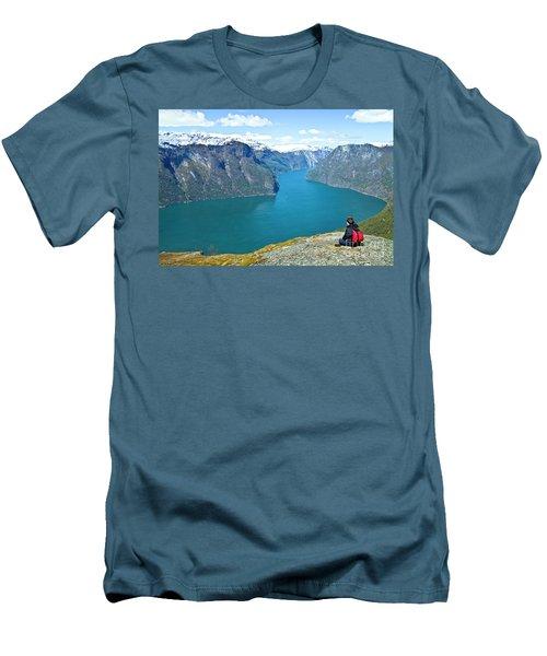 Visitor At Aurlandsfjord Men's T-Shirt (Athletic Fit)