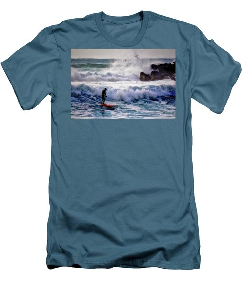Waimea Bay Surfer Men's T-Shirt (Athletic Fit)