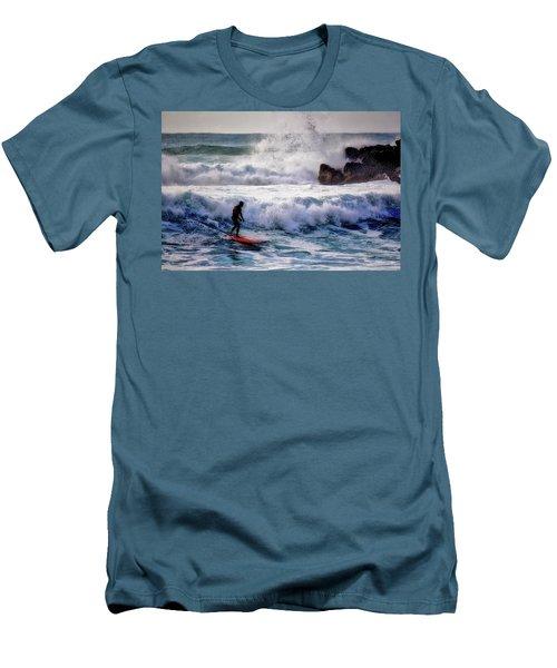 Waimea Bay Surfer Men's T-Shirt (Athletic Fit)