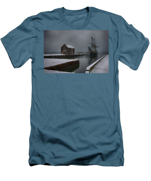 Waiting Quietly Men's T-Shirt (Slim Fit) by Jeff Folger