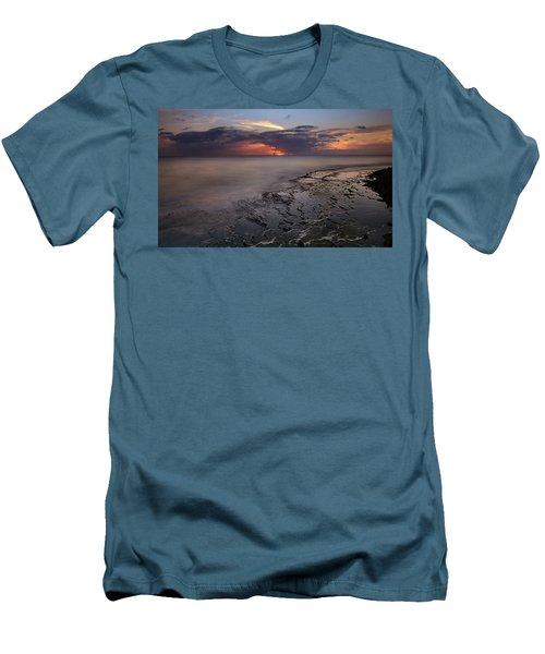 West Oahu Sunset Men's T-Shirt (Athletic Fit)