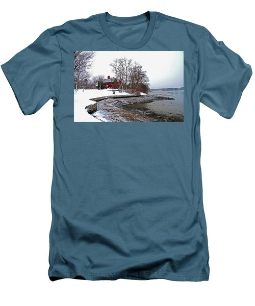 Winter At Perkins House  Men's T-Shirt (Athletic Fit)