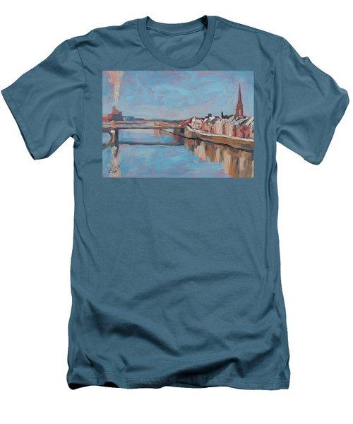 Winter In Wyck Maastricht Men's T-Shirt (Athletic Fit)