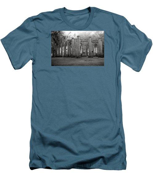 Winter Ruins Men's T-Shirt (Athletic Fit)