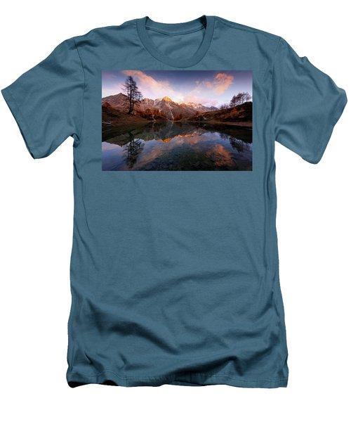 Wonderment Men's T-Shirt (Athletic Fit)