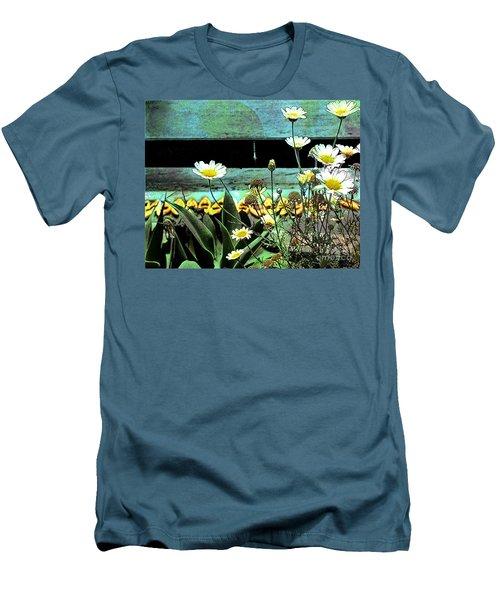 Yellow Kayaks Men's T-Shirt (Athletic Fit)