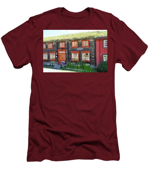 Old House Men's T-Shirt (Athletic Fit)