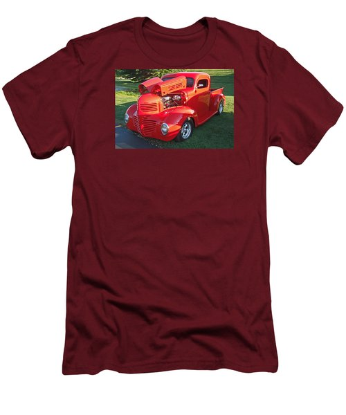 '47 Dodge Pickup Men's T-Shirt (Athletic Fit)
