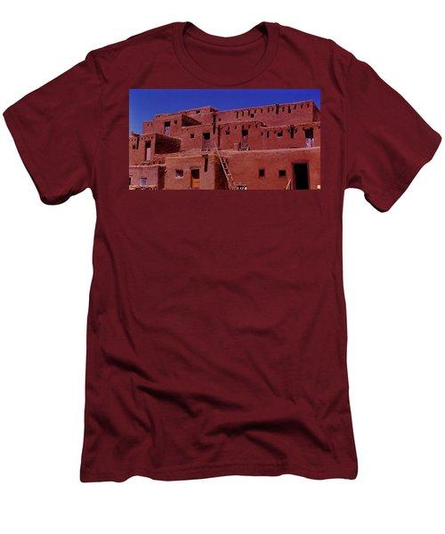 Pueblo Living Men's T-Shirt (Slim Fit)