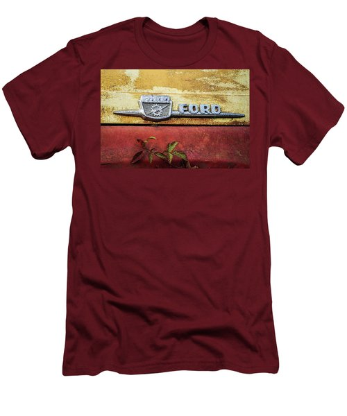 Vintage Ford Logo Men's T-Shirt (Slim Fit)