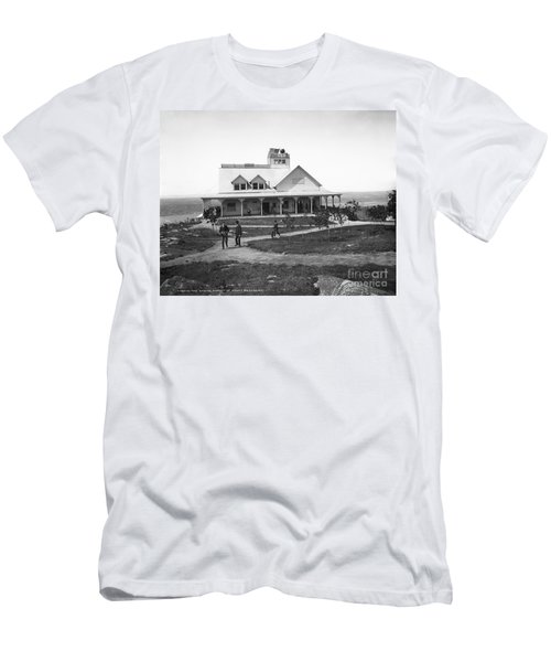 Casino At The Top Of Mt Beacon In Black And White Men's T-Shirt (Athletic Fit)