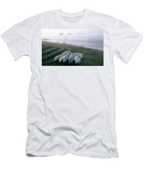 Men's T-Shirt (Slim Fit) featuring the photograph Patiently Waiting by David Porteus