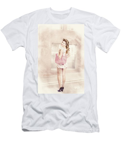 Retro Pin Up Woman Carrying Vintage Shopping Bag Men's T-Shirt (Athletic Fit)