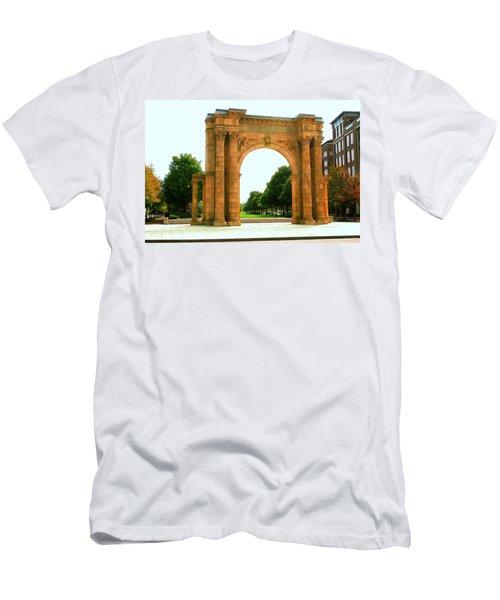 Union Station Arch Men's T-Shirt (Athletic Fit)