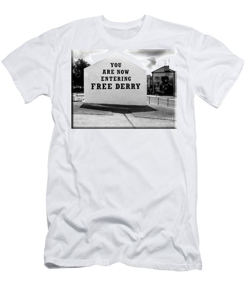 Free Derry Corner 5 Men's T-Shirt (Athletic Fit)