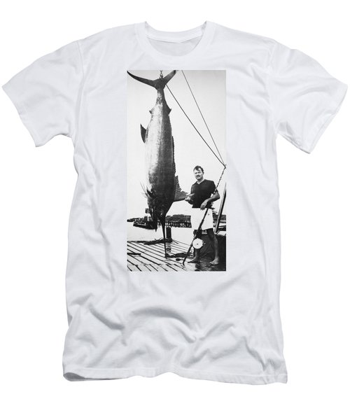 Ernest Hemingway (1899-1961) Men's T-Shirt (Athletic Fit)