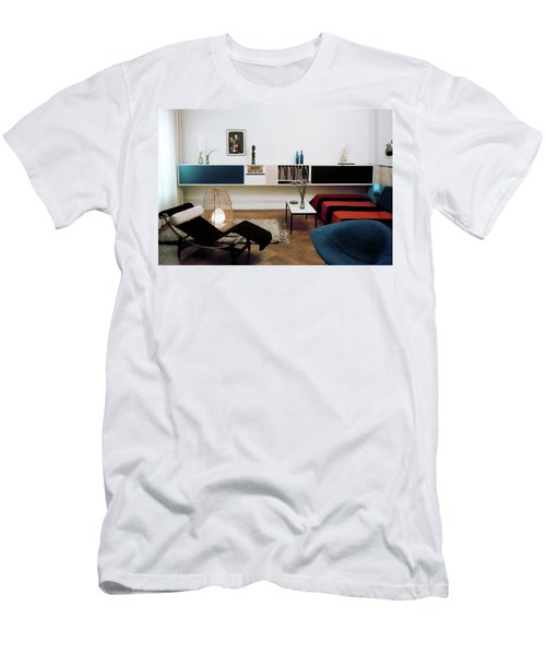 A Living Room With A Le Corbusier Chair Men's T-Shirt (Athletic Fit)