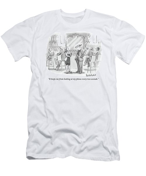 A Man And Woman Talk At The Bar Men's T-Shirt (Athletic Fit)