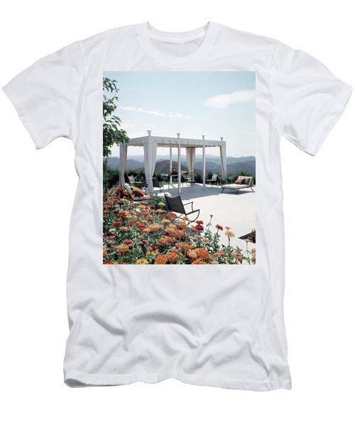 A Pavilion In The Backyard Of Bruce Macintosh's Men's T-Shirt (Athletic Fit)