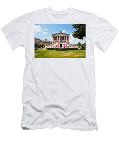 Altes Museum Men's T-Shirt (Athletic Fit)
