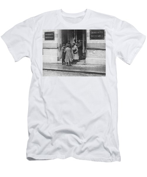 Armistice Delegates In Spa Men's T-Shirt (Athletic Fit)