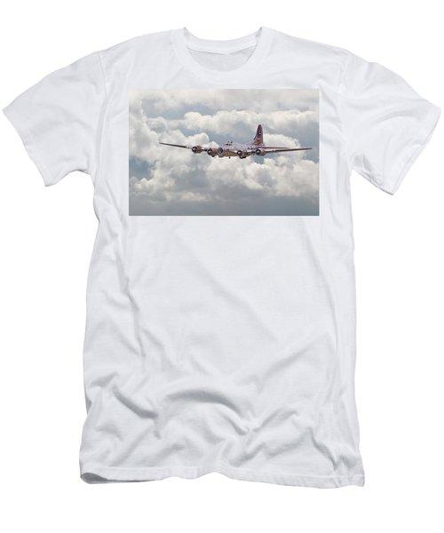 B17- Yankee Lady Men's T-Shirt (Athletic Fit)