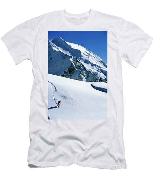 Backcountry Snowboarding Near Mt Men's T-Shirt (Athletic Fit)